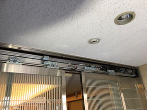 ホテルエントランス自動ドア装置施工後
