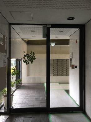 天井解体自動ドア工事前