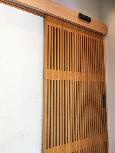 新設自動ドア装置完了