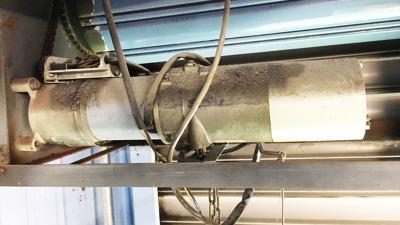 大阪市西淀川区 シャッター安全装置取り付け工事 モーター施工前