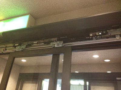 2階 自動ドア装置施工完了
