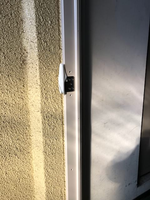 ドア枠カバー工法