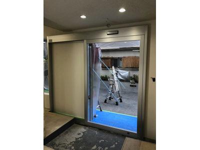 フロントサッシ&自動ドア施工完了