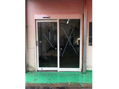 フロントサッシ&自動ドア新設工事完了